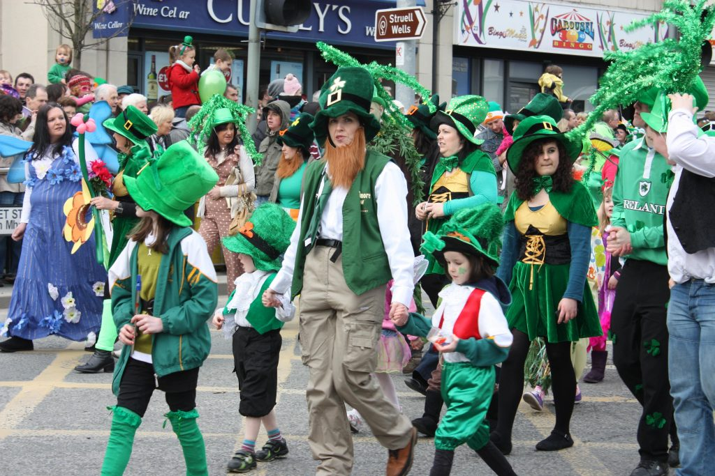 St_Patricks_Day,_Downpatrick,_March_2011_(045)