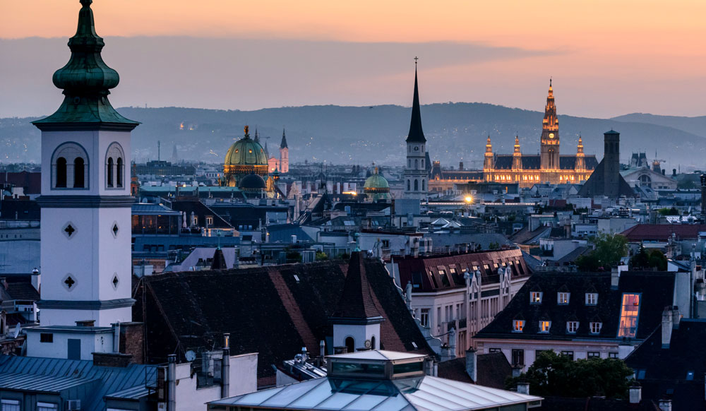 how easy is it to move to Vienna form Ireland?
